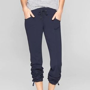 Athleta Metro Slouch Pants size S Navy